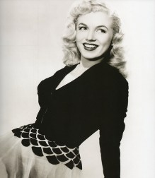 marilyn long hair