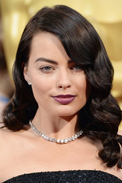 Vintage-Hair-Margot-Robbie-2014-Oscars