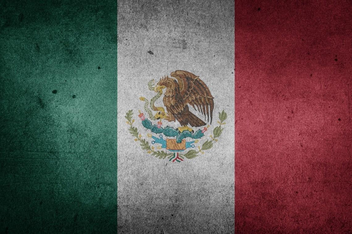 Mexico-Flag-Public-Domain.jpg
