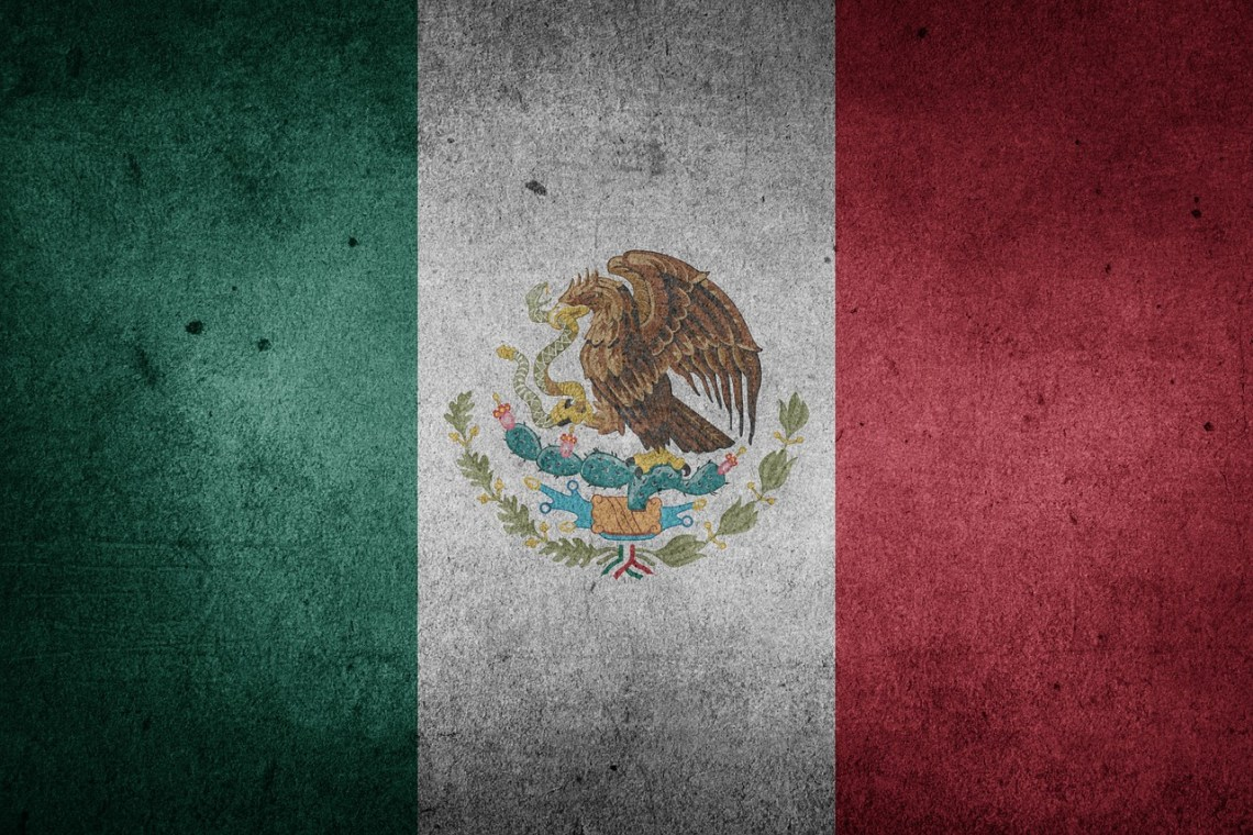 Mexico-Flag-Public-Domain.jpg