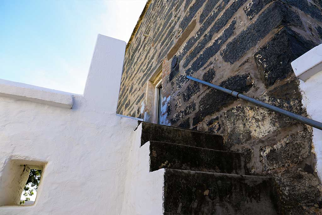 Trumpeters-Drift-Gallery-Fort-Stairs