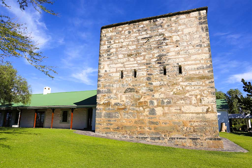 Trumpeters-Drift-Gallery-Fort-and-Accommodation