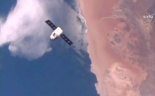 spacex flacon 9 drone 8 avril 2016 dragon capsule orbite