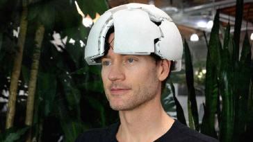 Une entreprise commercialise un casque lisant l'activité cérébrale pour 40 000 euros