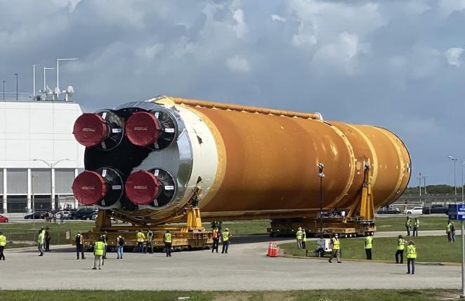 la « méga-fusée » SLS de la NASA est en cours d'assemblage