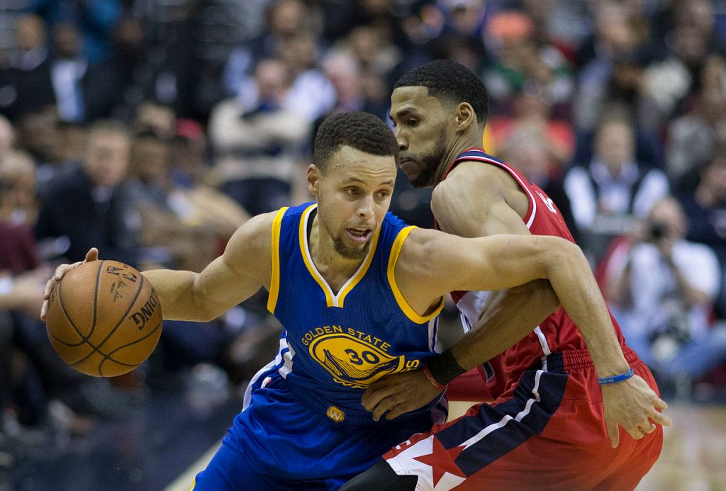 (Photo: Stephen Curry in a game against the Washington Wizards in February 2016. (Photo: Keith Allison/Creative Commons)
