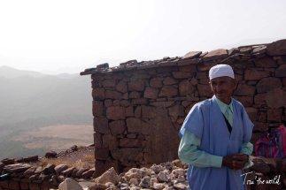 el hombre que vendia piedras - the man selling stones