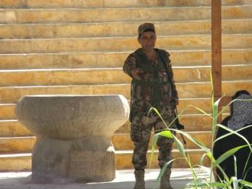 dscn5006-jordanian-soldier