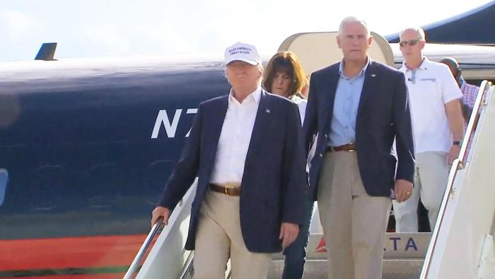 Donald Trump Hands Out Supplies to Louisiana Flood Victims (Video)