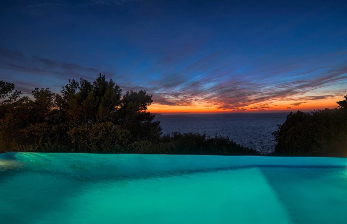 WOW Il tramonto sul mare visto da questi hotel