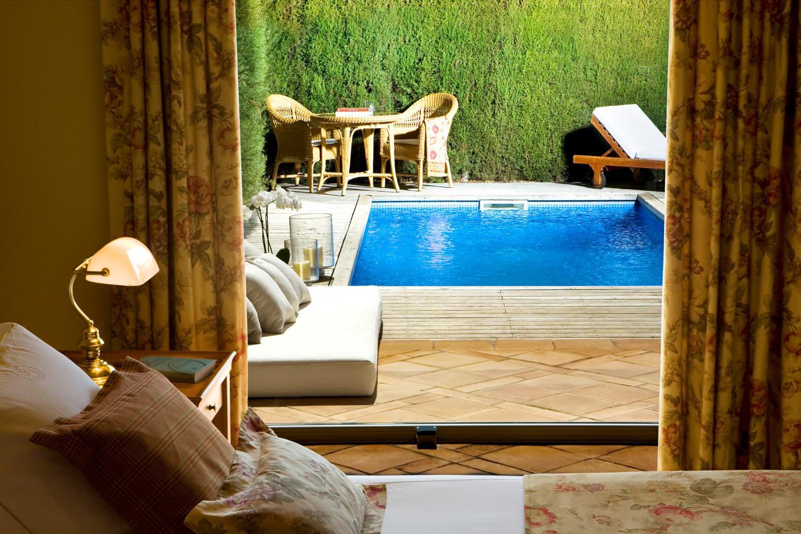 7 habitaciones de hotel con piscina privada