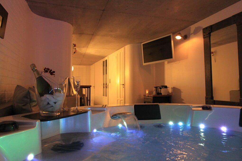 Weekend romantique  12 chambres avec jacuzzi priv