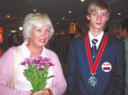 Игорь Мельников и его мама. (Фото Н.Деминой)