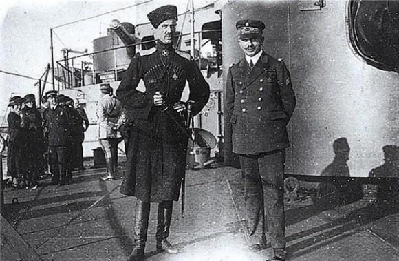 Петр Врангель и адмирал Карл Дюмениль в Константинополе