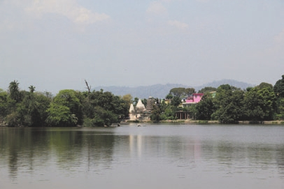 Священное озеро Мансар.  Фото В.В. Скворцова