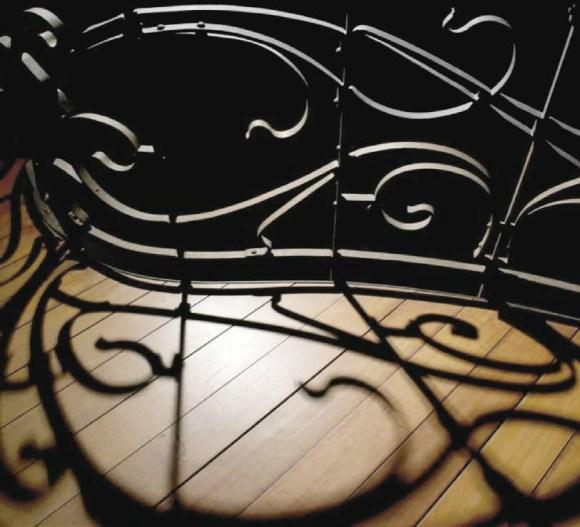 Перила лестницы в доме Орта