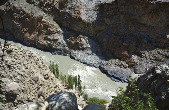 Ущелье Инда: южная граница селения Дах