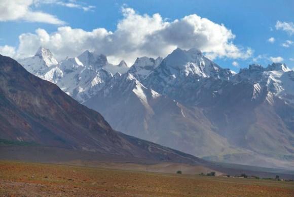 Долина Занскара возле городка Падум.  Фото А. В. Андреева