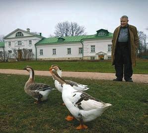 М. Кронгауз в Ясной Поляне. Фото Ю. Вронской.