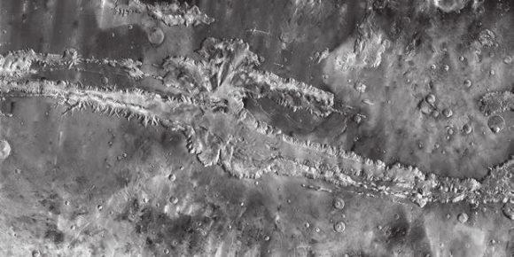 Долина Маринера. Фото Mars Odyssey (c) NASA