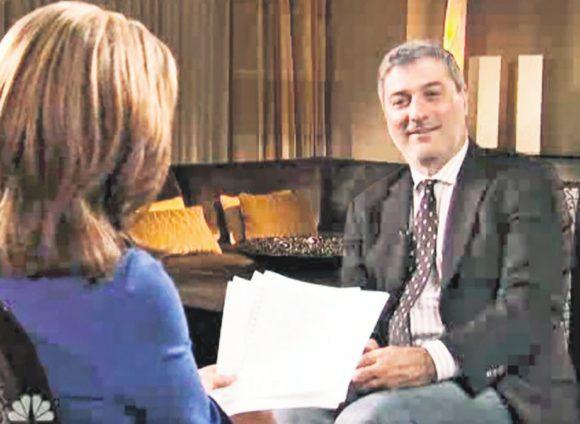 Маккиарини дает интервью NBC в 2013 году для двухчасового телевизионного байопика «Прыжок веры»