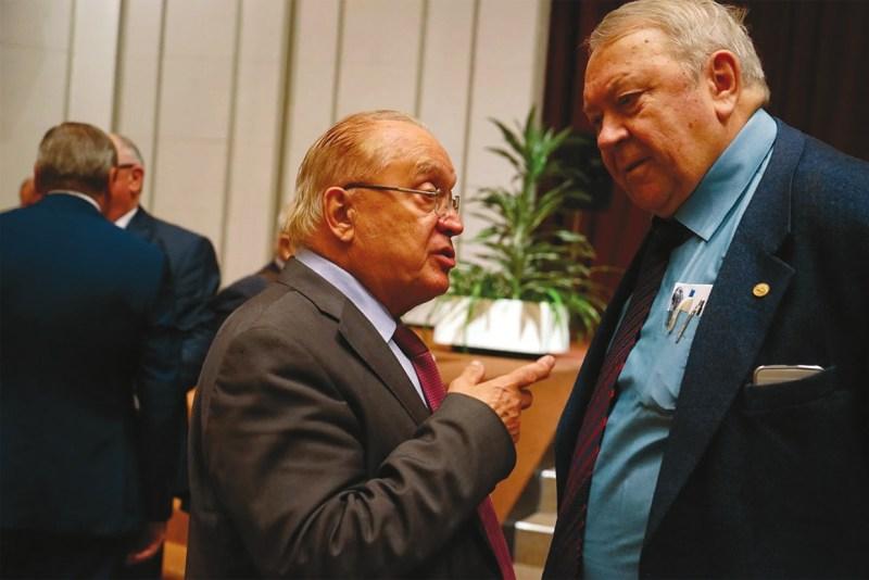 Ректор МГУ Виктор Садовничий и бывший президент РАН Владимир Фортов