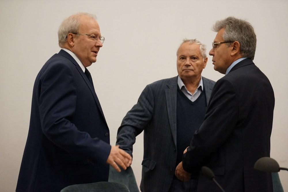С акад. А. Г. Литваком и президентом РАН А. М. Сергеевым
