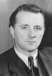 Пауль Хартек (1948 год). Bundesarchiv, Bild 183-2005-0331-501 / Unknown author / CC-BY-SA 3.0