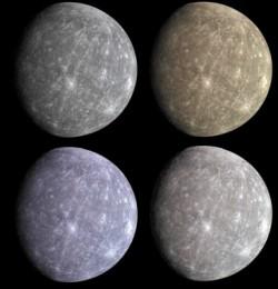 Здесь показан результат попытки подобрать планете цветовую гамму на основе снимков ^ с тремя светофильтрами при разных способах обработки. Утверждается, что различия находятся в пределах различий индивидуального цветового восприятия людей.