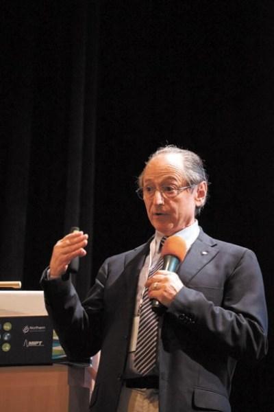 Майкл Левитт (родился в 1947) — лауреат Нобелевской премии 2013 года за компьютерное моделирование химических систем