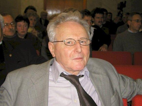 В.М.Агранович. Фото  В. Миловидова ссайта ИСАН