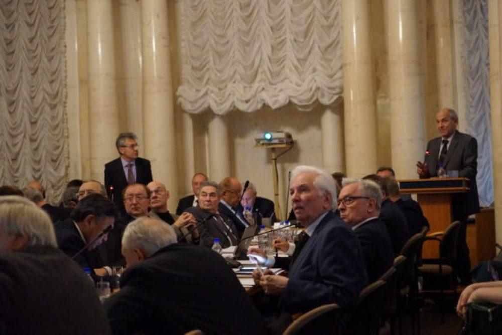 Валерий Рубаков на заседании Президиума РАН