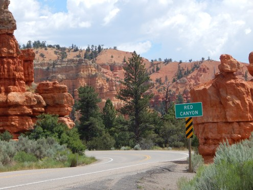 Red Canyon at entrance of Bryce NP