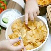 *Crunch crunch crunch* Hot food trends, Lay's World Flavourites (Yes to all the chips!) + A giveaway!