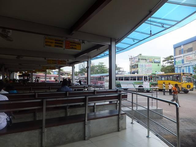 ネゴンボのバスターミナル:スリランカ