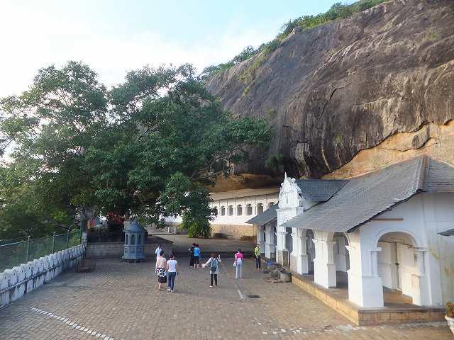 ダンブッラ黄金寺院(石窟寺院):スリランカ