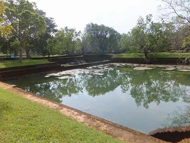 王の沐浴場:シギリヤロック:スリランカ