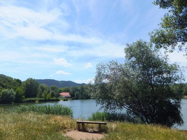ハンガリー szentivan村の湖