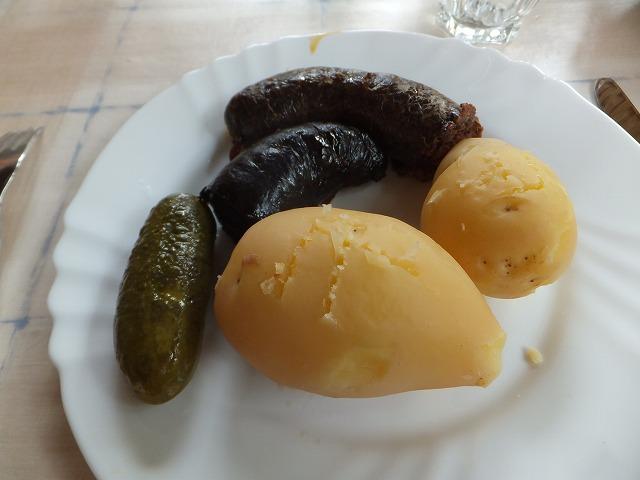 ハンガリーの家庭料理:血のソーセージ