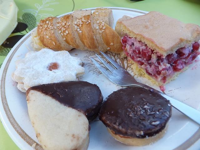 みんなが持ち寄ったお菓子:ハンガリー名前の日パーティー