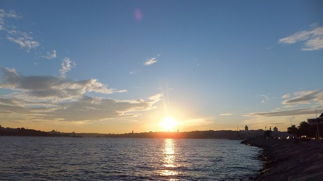 夕焼けとヨーロッパ側のイスタンブール