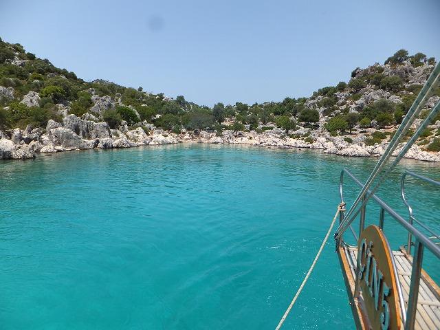 地中海ボートツアーの最初のスイミングポイント