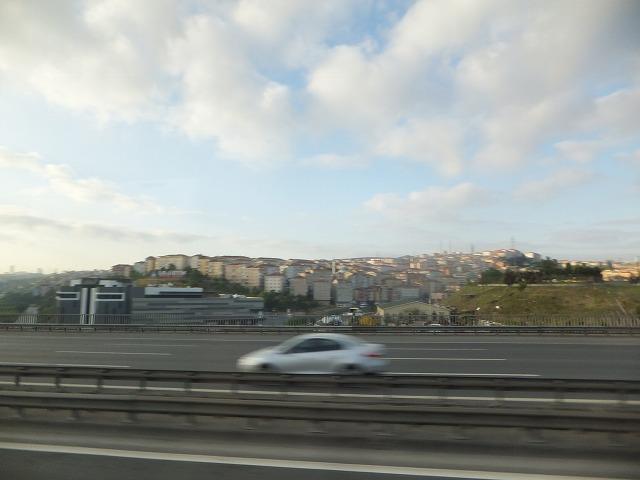 明け方のバスからのイスタンブール