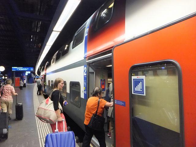 スイスの電車 チューリッヒからベルンに