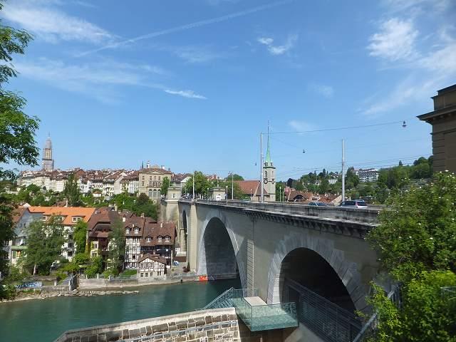 ベルン旧市街へ続く橋