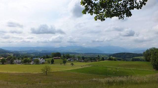スイス、小さな田舎村の景色