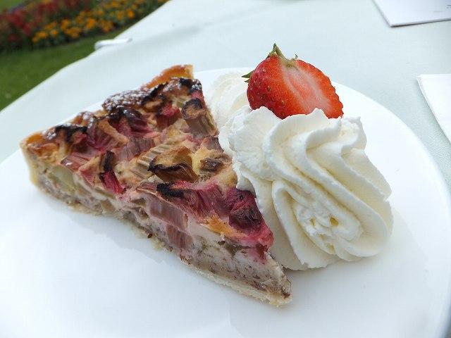 スイス、ツークで食べたルバーブのケーキ