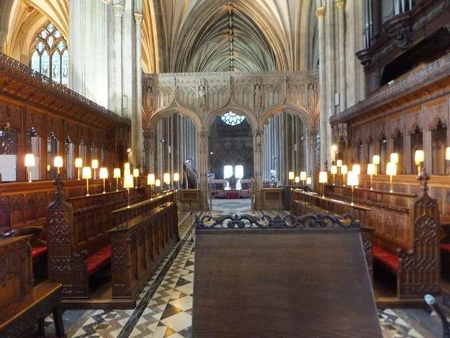 ブリストル大聖堂の中:イギリス
