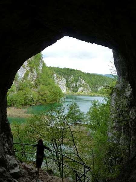 洞窟の中から撮ってみました:プリトヴィツェ国立公園