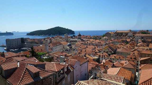 ドブロブニク城壁から見た、旧市街の景色